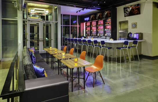 Hotel-Bar Aloft Wichita Northeast