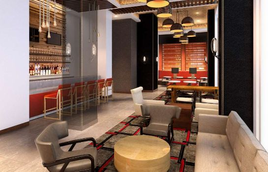 Hotel bar Four Points by Sheraton Manhattan Midtown West