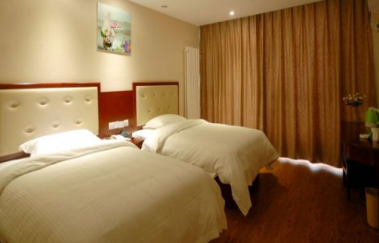 Double room (standard) GreenTree Inn TaiAn Bus Station LingShan Street Express Hotel