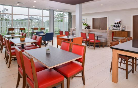 Restaurante Holiday Inn Express & Suites ST. PETERSBURG - MADEIRA BEACH
