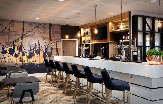 Bar del hotel Hampton by Hilton Bristol Airport