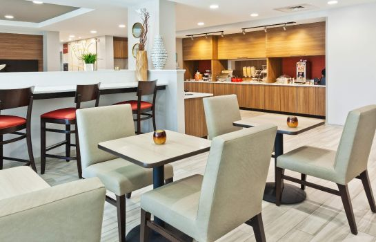 Restaurant TownePlace Suites Dothan
