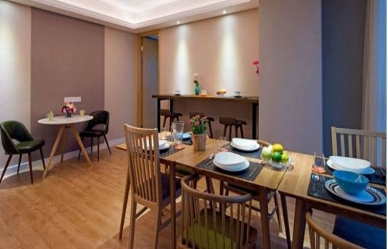 Restaurante Tujia Somerset Palm Springs Service Apartment