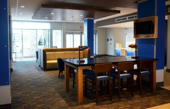 Vestíbulo del hotel Holiday Inn Express & Suites JACKSONVILLE W - I295 AND I10