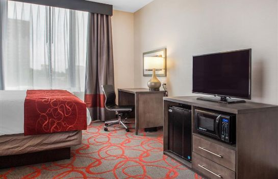Suite Comfort Inn and Suites near Stadium