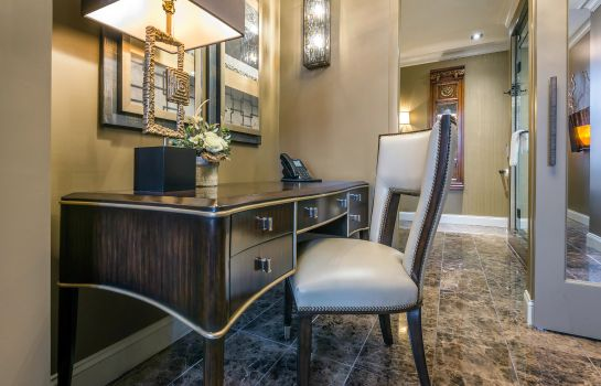 Suite an Ascend Hotel Collection Member Curtiss Hotel