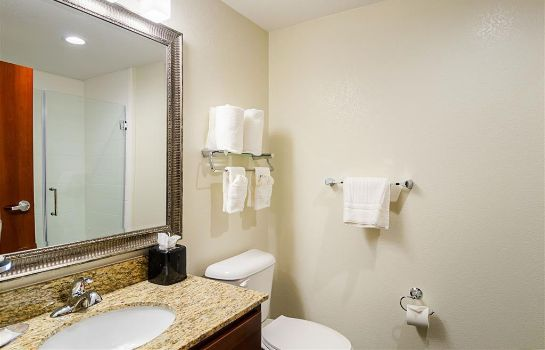 Zimmer MainStay Suites Near Denver Downtown