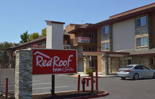 Exterior view Red Roof Suites Sacramento North