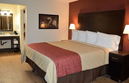Room Red Roof Suites Sacramento North
