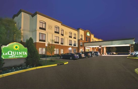 Exterior view La Quinta Inn Ste Mt. Laurel - Philly