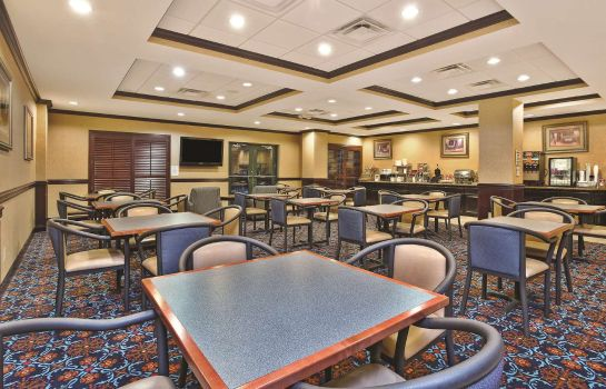 Restaurant La Quinta Inn Ste Mt. Laurel - Philly