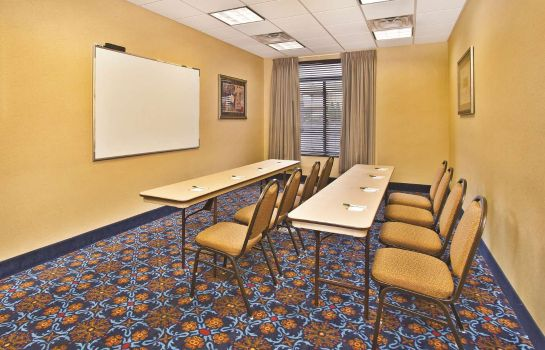 Conference room La Quinta Inn Ste Mt. Laurel - Philly