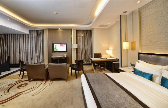 Suite PACIFIC REGENCY HOTEL SUITES