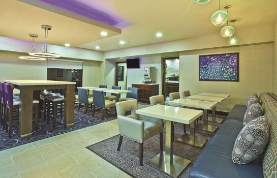 Restaurant La Quinta Inn Ste Fairborn Wright-Patterson