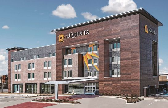 Buitenaanzicht La Quinta Inn Ste Dallas Grand Prairie North