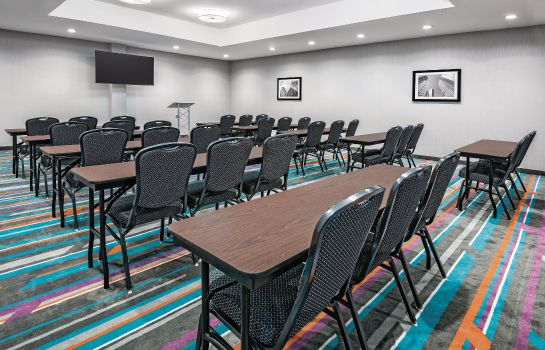 Conference room La Quinta Inn Ste Dallas Grand Prairie North