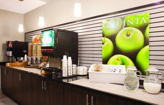 Hotelhal La Quinta Inn and Suites Forsyth