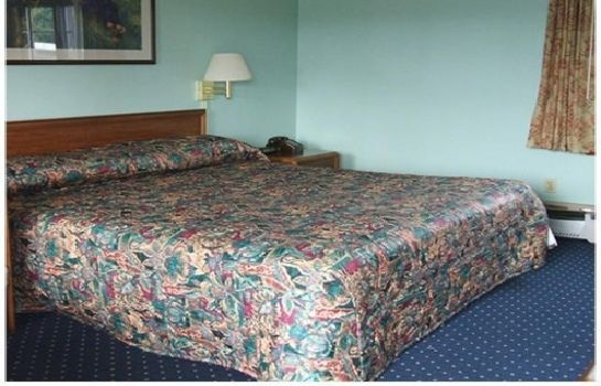 Room SCOTTISH INNS AND SUITES FAYETTEVILLE