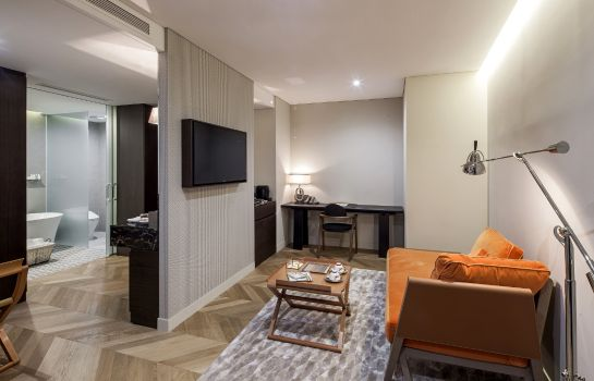 Suite Hotel28 Myeongdong