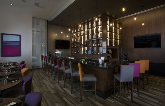 Bar del hotel Holiday Inn & Suites MONTREAL CENTRE-VILLE OUEST