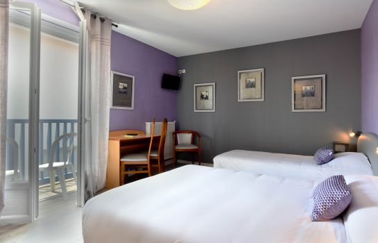 Triple room Hôtel de France