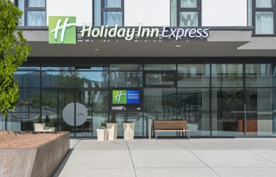 Außenansicht Holiday Inn Express FREIBURG - CITY CENTRE