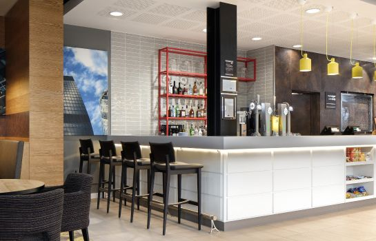 Bar de l'hôtel Hampton by Hilton London Docklands