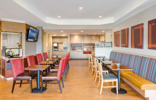 Restaurant TownePlace Suites Charleston