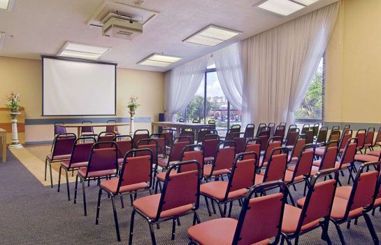 Sala konferencyjna DAYS HOTEL BY WYNDHAM THUNDERB