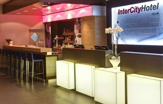 Bar de l'hôtel IntercityHotel