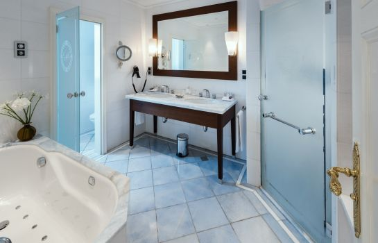 Bagno in camera Excelsior Hotel Ernst Leading Hotels of the World