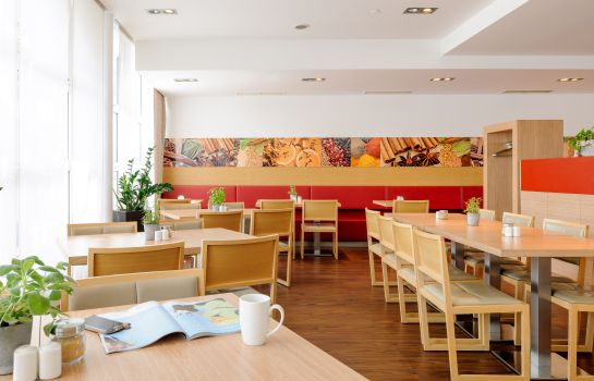 Breakfast room ibis Muenchen City Nord