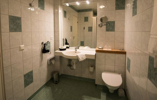Bagno in camera Sure Hotel Collection by Best Western Hotel Linnea