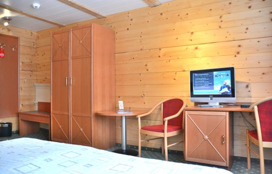 Chambre double (confort) Chalet Swiss