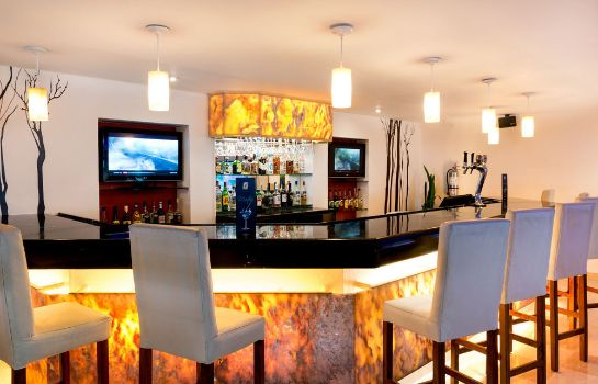 Hotel bar Flamingo Cancun Resort