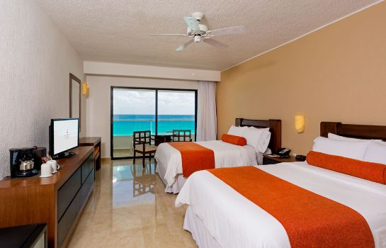 Single room (superior) Flamingo Cancun Resort