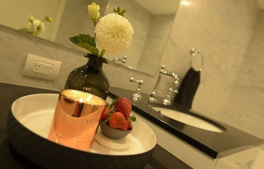 Bathroom Canberra Rex Hotel & Serviced Apartments