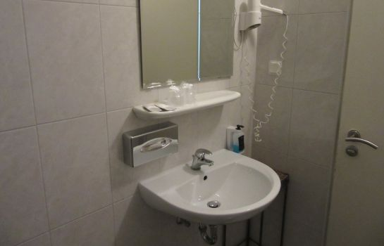 Badezimmer City Hotel Mercator
