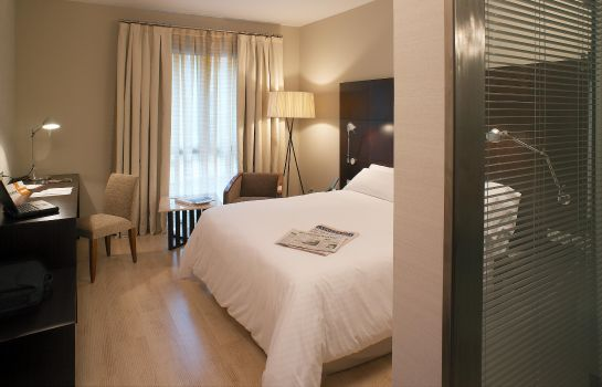 Zimmer Alexandra Barcelona Hotel Curio Collection by Hilton