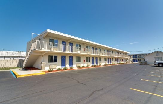 Exterior view MOTEL 6 DESTIN FL