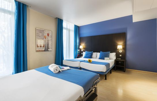 Four-bed room Oriente Atiram Hotels