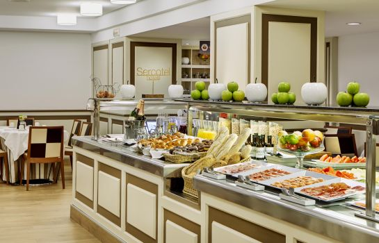Breakfast buffet Gran Hotel Conde Duque