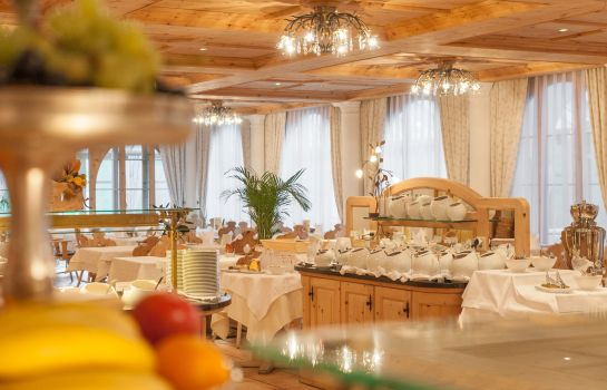 Breakfast room Chasa Montana Hotel & Spa