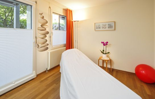 Massage room Wellness Hotel Tenedo Thermalquellen Resort Bad Zurzach