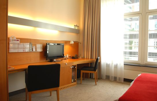 Double room (standard) Alexander Plaza