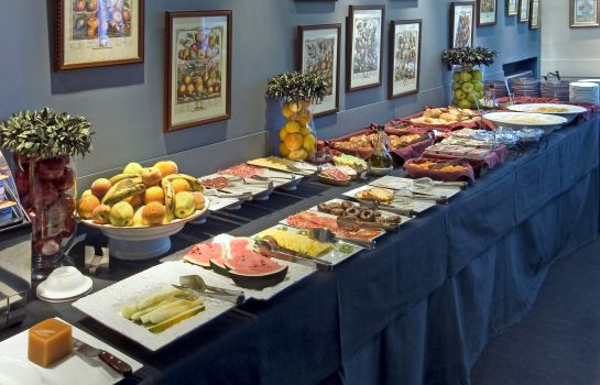 Breakfast buffet Hotel Moderno