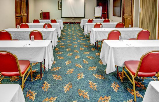 Conference room Quality Suites Rockville