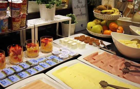 Breakfast buffet Conde Duque Bilbao
