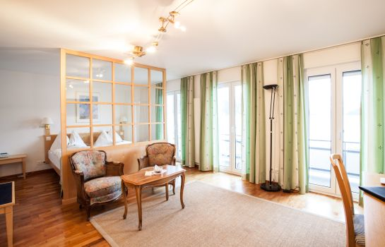 Suite Junior Frohburg Beau Rivage – Collection