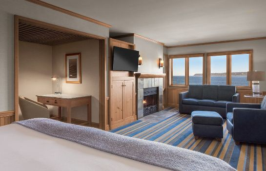 Junior suite Semiahmoo Resort Golf & Spa